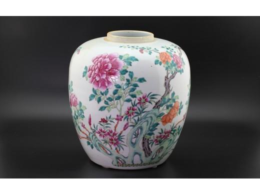 粉彩花卉洞石罐